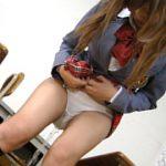 【ブレザーJKが綿パンツ失禁】椎名裕子 天然ロリ娘のおもらし現象